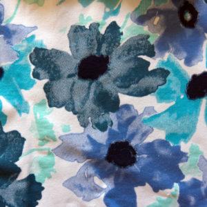 Teplákovina – kytičky modré na bílé